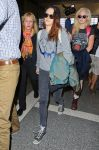 Celebrities Wonder 75271071_kristen-stewart-lax-airport_3.jpg
