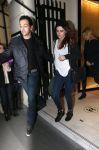 Celebrities Wonder 77343059_kristen-stewart-chanel-boutique_4.jpg