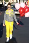 Celebrities Wonder 80865598_jennifer-lopez-valentines-day_3.jpg