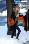 Celebrities Wonder 83443501_emma-stone-coffee_3.jpg
