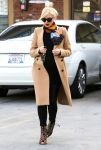Celebrities Wonder 87687328_pregnant-gwen-stefani-Jesun-Acupuncture-Clinic_1.jpg