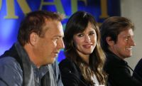 Celebrities Wonder 90088488_jennifer-garner-draft-day-press-conference_5.jpg