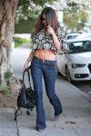 Celebrities Wonder 90975645_selena-gomez-cropped-top_3.jpg
