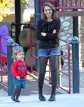 Celebrities Wonder 92626032_jessica-alba-family_2.jpg
