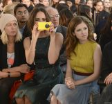 Celebrities Wonder 97713749_jenny-packham-fall-2014-front-row_7.jpg