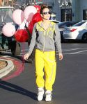 Celebrities Wonder 98047791_jennifer-lopez-valentines-day_2.jpg