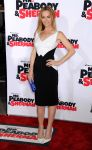 Celebrities Wonder 39462888_leslie-mann-Mr-Peabody-Sherman-premiere_2.jpg