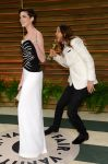 Celebrities Wonder 6153095_anne-hathaway-vanity-fair-oscar-party_2.jpg