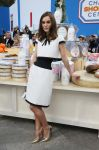 Celebrities Wonder 88825740_keira-knightley-chanel-fashion-show-fall-2014_1.jpg