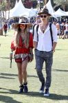 Celebrities Wonder 14512629_vanessa-hudgens-coachella-festival-2014_2.jpg