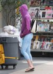 Celebrities Wonder 14668965_anne-hathaway-tights_4.JPG
