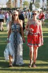 Celebrities Wonder 15628351_paris-nicky-hilton-coachella-2014_4.jpg