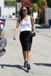 Celebrities Wonder 18805104_zoe-saldana-shopping_1.JPG