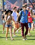 Celebrities Wonder 23754897_vanessa-hudgens-coachella-2014_2.jpg