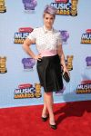 Celebrities Wonder 24256815_2014-Radio-Disney-Music-Awards-red-carpet_Kelly Osbourne 1.jpg
