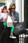 Celebrities Wonder 26261646_miranda-kerr-son_5.jpg