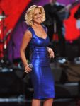 Celebrities Wonder 2639426_ACM-Presents-an-All-Star-Salute-to-the-Troops_Kellie Pickler 1.jpg