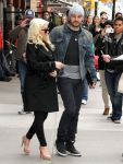 Celebrities Wonder 32101085_pregnant-christina-aguilera_3.jpg