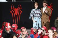 Celebrities Wonder 38611740_emma-stone-The-Amazing-Spider-Man-2-berlin-photocall_2.jpg