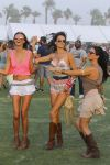 Celebrities Wonder 40541160_alessandra-ambrosio-coachella-2014_3.jpg