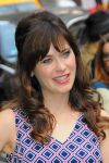 Celebrities Wonder 4503073_zooey-deschanel-good-morning-america_8.jpg