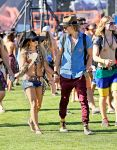 Celebrities Wonder 45884978_vanessa-hudgens-coachella-2014_4.jpg