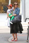 Celebrities Wonder 46796771_miranda-kerr-son_4.jpg