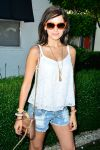Celebrities Wonder 46827344_coachella-2014-guess-hotel_Camilla Belle 2.jpg