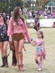 Celebrities Wonder 47201537_alessandra-ambrosio-coachella-festival-2014_3.jpg