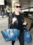 Celebrities Wonder 48942614_los-angeles-airport_8.jpg