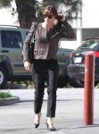 Celebrities Wonder 53390740_jennifer-garner-brentwood_4.jpg
