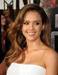 Celebrities Wonder 55881801_jessica-alba-mtv-movie-red-carpet-2014_4.jpg