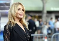 Celebrities Wonder 61170828_draft-day-los-angeles-premiere_Rosanna Arquette 3.JPG