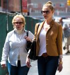 Celebrities Wonder 67901752_katherine-heigl-nyc_4.jpg