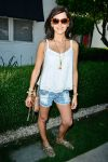 Celebrities Wonder 6861068_coachella-2014-guess-hotel_Camilla Belle 1.jpg