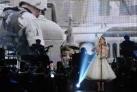 Celebrities Wonder 69117668_ACM-Presents-an-All-Star-Salute-to-the-Troops_2.jpg
