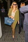 Celebrities Wonder 74497553_kate-upton-lax_2.jpg