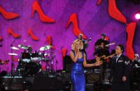 Celebrities Wonder 7579496_ACM-Presents-an-All-Star-Salute-to-the-Troops_Kellie Pickler 2.jpg
