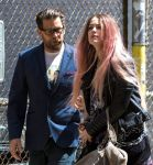 Celebrities Wonder 79333249_amber-heard-filming-When-i-Live-My-Life-Over-Again_5.jpg