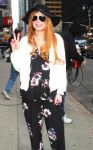 Celebrities Wonder 79390723_lindsay-lohan-david-letterman_4.JPG