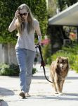 Celebrities Wonder 8299555_amanda-seyfried-dog_4.jpg