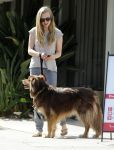 Celebrities Wonder 83721072_amanda-seyfried-dog_5.jpg