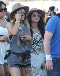 Celebrities Wonder 84487134_selena-gomez-coachella-2014_5.jpg