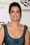 Celebrities Wonder 8671778_Humane-Society-of-the-United-States-60th-Anniversary-Gala_Bellamy Young 2.jpg
