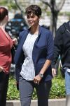 Celebrities Wonder 88953695_halle-berry-on-set-of-extant_5.jpg