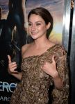 Celebrities Wonder 90271560_divergent-los-angeles-premiere_Shailene Woodley 4.jpg