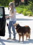 Celebrities Wonder 93614911_amanda-seyfried-dog_3.jpg