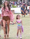 Celebrities Wonder 9673062_alessandra-ambrosio-coachella-festival-2014_2.jpg
