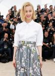 Celebrities Wonder 10569137_Maps-To-The-Stars-Photocall-Cannes_Sarah Gadon 2.jpg