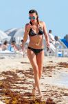 Celebrities Wonder 16092011_katie-cassidy-bikini-candids_2.jpg